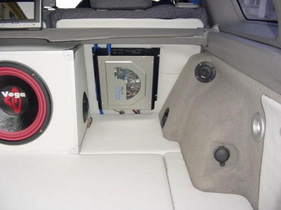 User Nissan Palace - Kofferraum mit Kunstleder beim Primera WP11-144